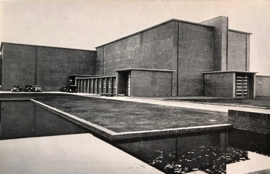 haus ohne fenster-1934-kunsthaus-kirschbluethe.de-femalegazesite.wordpress.com