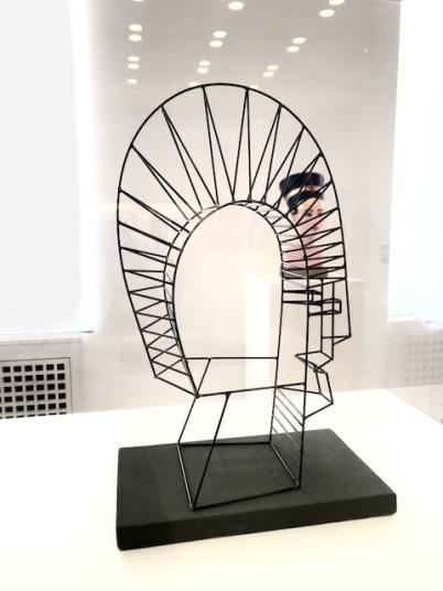 sculpture-hamburger-bahnhof-femalegazesite.wordpress.com